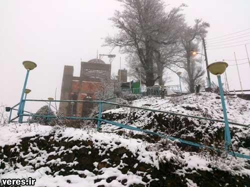 بارش برف در امامزاده اسحاق شفت + تصاویر