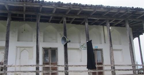 نمای بیرونی مسجد کمسار