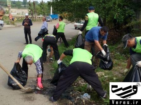۳تن زباله از حاشیه جاده و معابر جیرده جمع آوری شد