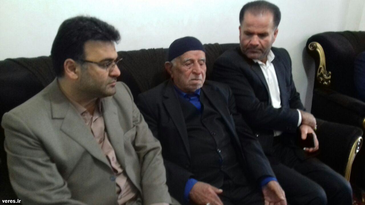 دیدار فرماندار شفت با خانواده دو شهید در احمدسرگوراب