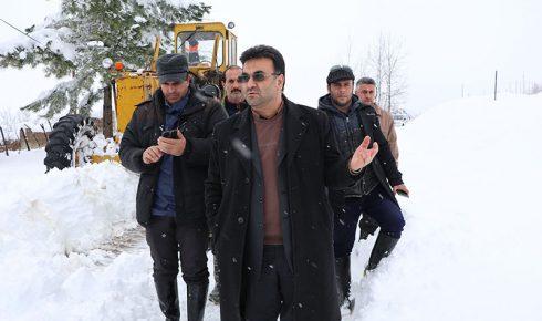 بازدید فرماندار شفت از روستاهای برف زده بخش مرکزی