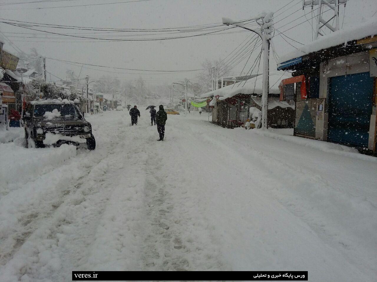 مرکز دهستان جیرده در یک روز برفی+تصاویر