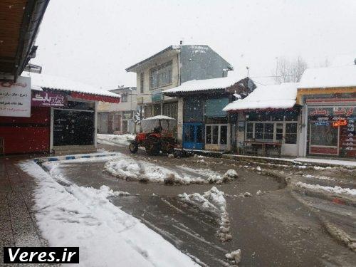 مشارکت مردم جیرده برای بازماندن راه های مرکز دهستان