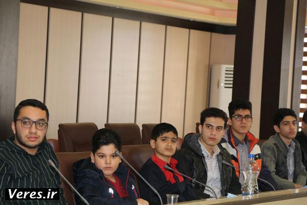 دانش آموزان برگزیده پژوهشگر در شهرستان شفت تجلیل شدند