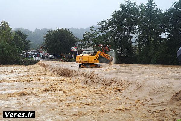 طغیان رودخانه ها و آبگرفتگی معابر در شفت