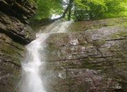 فیلم/آبشار وَزن بن در سفیدمزگی شهرستان شفت